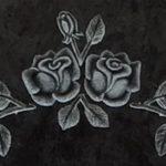Rose teilplastisch gehauen und getönt