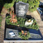 Urnenstelle aus Impala mit Abdeckplatte