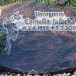 Liegestein aus Aruba, vertieft erhabene Inschrift